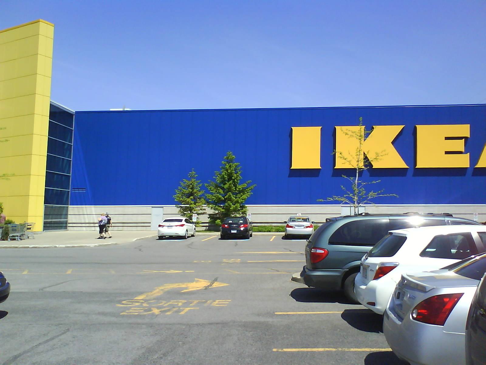 architecture branding ikea carves up cavernous expanses. Black Bedroom Furniture Sets. Home Design Ideas