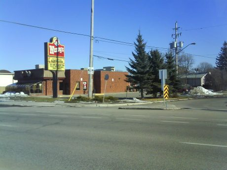 DSC03928 Wendys Wendys CA-ON-Ottawa Montreal Road at Ogilvie