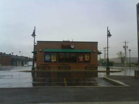 DSC04276 Wendys Wendys Awnings US-NY-Syracuse Hiawatha Blvd near Carousel Mall