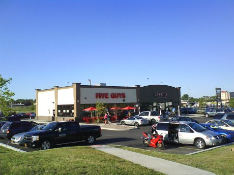 DSC09309 Wendys Five Guys Chipotle US-NY-Watertown Arsenal Street near i81