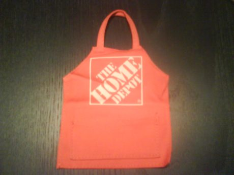 DSC10531 THD The Home Depot Apron and Logo