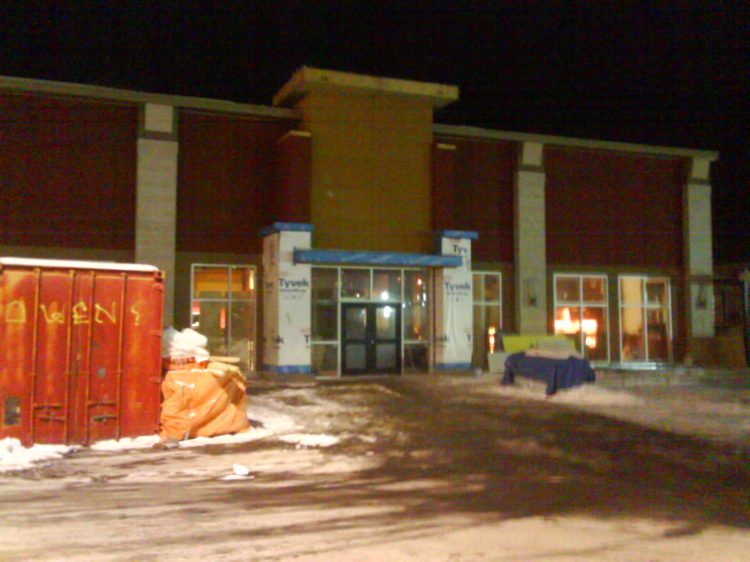DSC03765 Boston Pizza Boston Pizza TRANSFORMATION Carling Ave at Clyde Ottawa ON