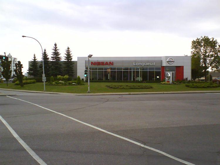 DSC00040  Nissan Nissan Dealership CA-QC-Longueuil Rue Saint-Charles Est
