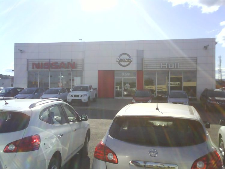 DSC05880 Nissan Nissan Dealership CA-QC-Gatineau Boul St-Joseph near Freeman