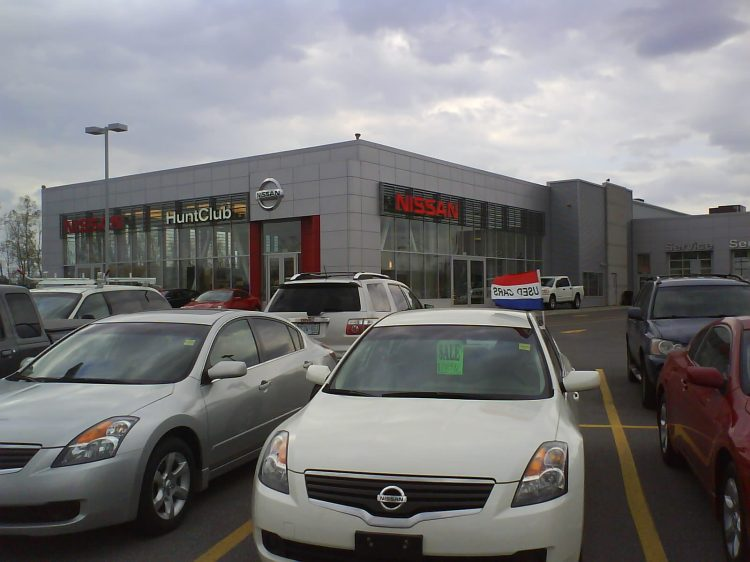DSC08833 Nissan Nissan Dealership CA-ON-Ottawa Hunt Club Road
