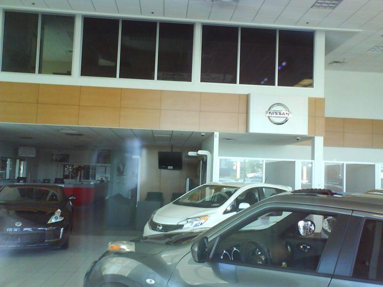 DSC11422 Nissan Nissan Dealership CA-QC-St-Eustache Rue Dubois