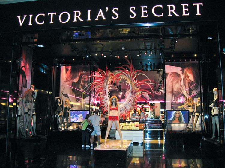 800px-Victoria's_Secret_store_in_Las_Vegas