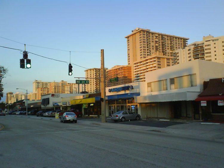 DSC07432 - Blockbuster Retail Strip A1A Lauderdale-by-the-sea FL