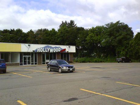 DSC11269 - Blockbuster Hollywood Video Main Street Binghamton NY