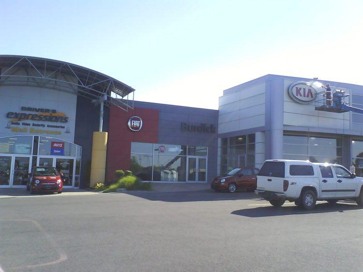 DSC09497 Fiat Fiat Dealership Driver's Circle Cicero NY