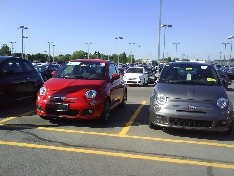 DSC09499 Fiat Fiat 500s Driver's Circle Cicero NY