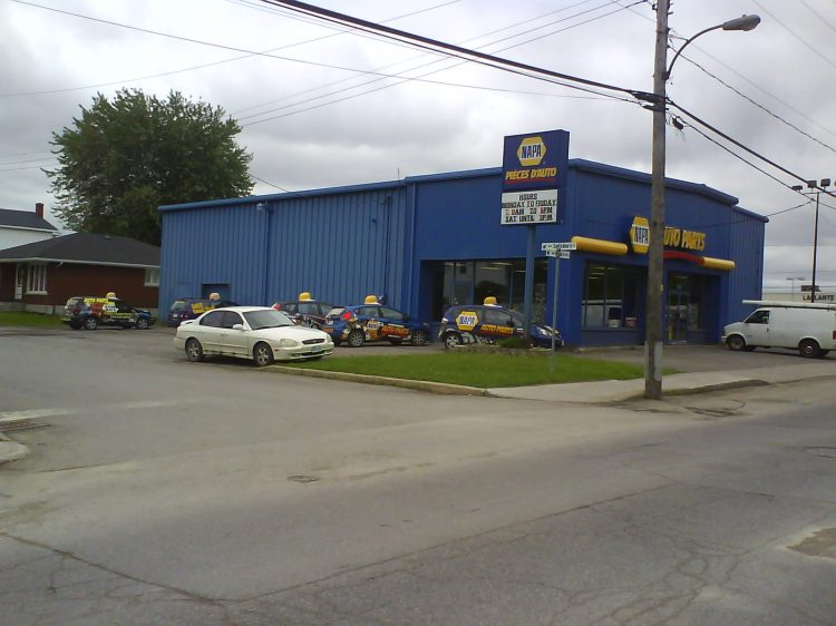 DSC12450 NAPA NAPA 514 Main Street Hawkesbury ON CA