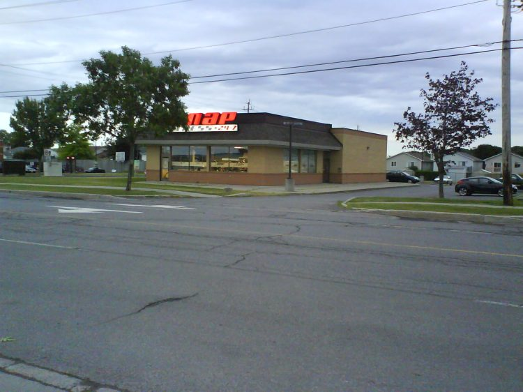 DSC09251 - BK - FORMER - Snap Fitness 2901 Rue Laurier Rockland ON