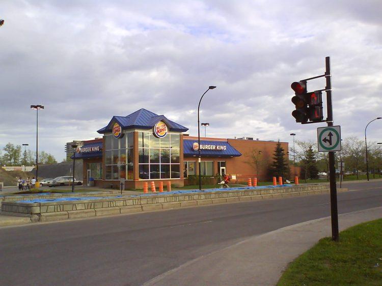 DSC10936 - BK - Burger King Rue Jean Talon Ouest and Boulevard Décarie Montreal QC