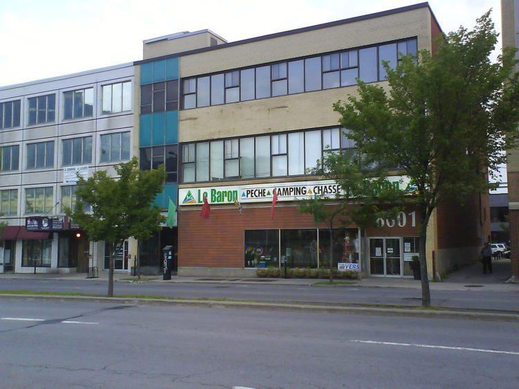 DSC12643 Outdoor Store Le Baron 8601 Boulevard St-Laurent Montreal QC