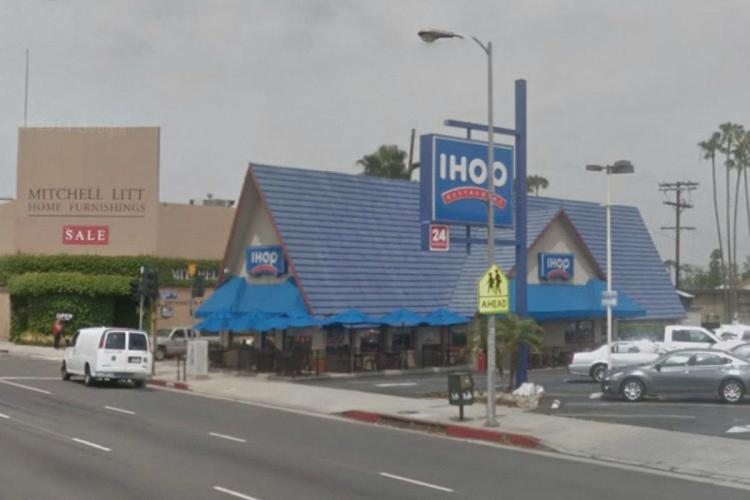 IHOP 15635 Ventura Boulevard at Haskell Avenue Encino (LA) CA 5 2014 https___maps.google