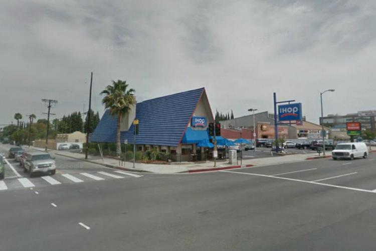 IHOP 15635 Ventura Boulevard at Haskell Avenue Encino (LA) CA 7 2014 https___maps.google