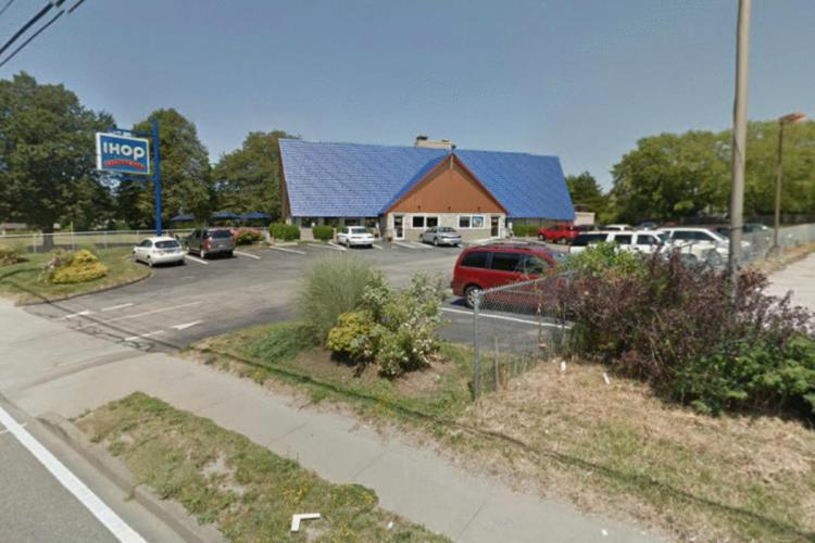 IHOP 159 West Main Road Middleton RI 2 https___maps.google