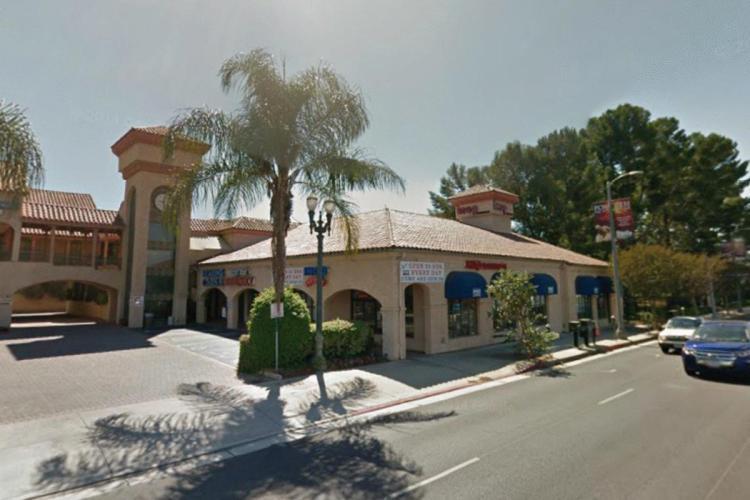 IHOP 19100 Ventura Boulevard Tarzana (LA) CA 3 https___maps.google.ca