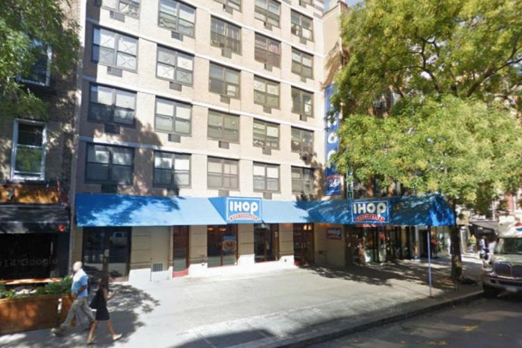 IHOP 235 East 14th Street NYC NY 1 https___maps.google.ca