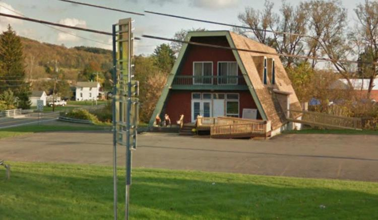 IHOP - A-frame building Route 281 (North West Street) at Clinton Street Homer NY 4 https___maps.google.ca