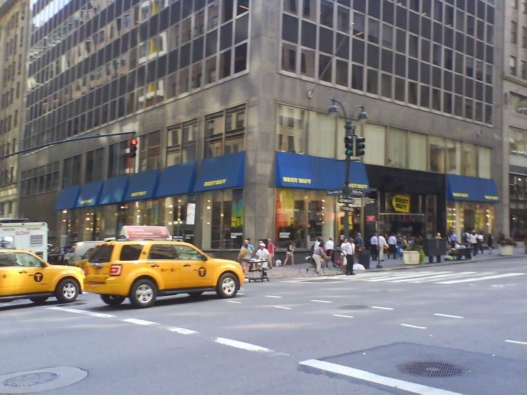DSC11473 BBY - Best Buy 5th Avenue and 44th Street NYC NY