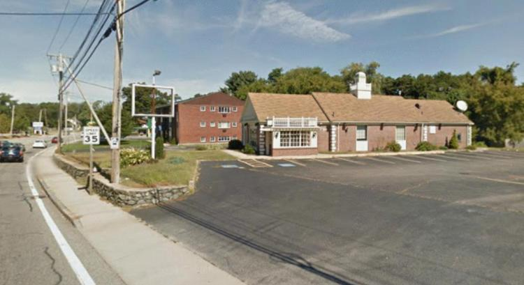 Friendlys 2080 Warwick Avenue Warwick RI 3 https___maps.google