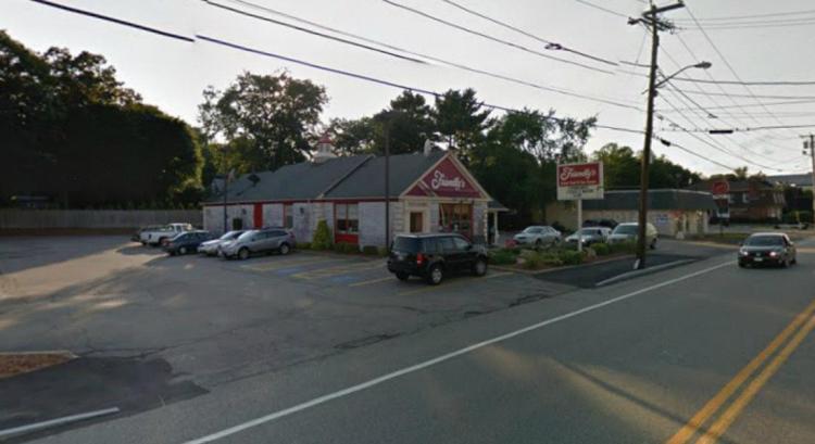 Friendlys 415 Washington Street Weymouth MA 2 https___maps.google