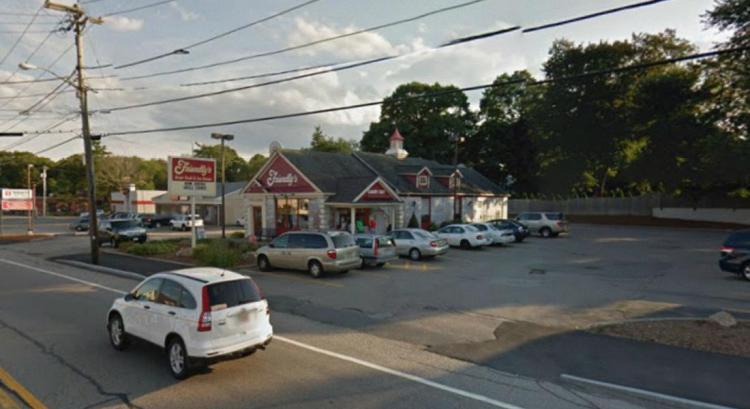 Friendlys 415 Washington Street Weymouth MA 3 https___maps.google