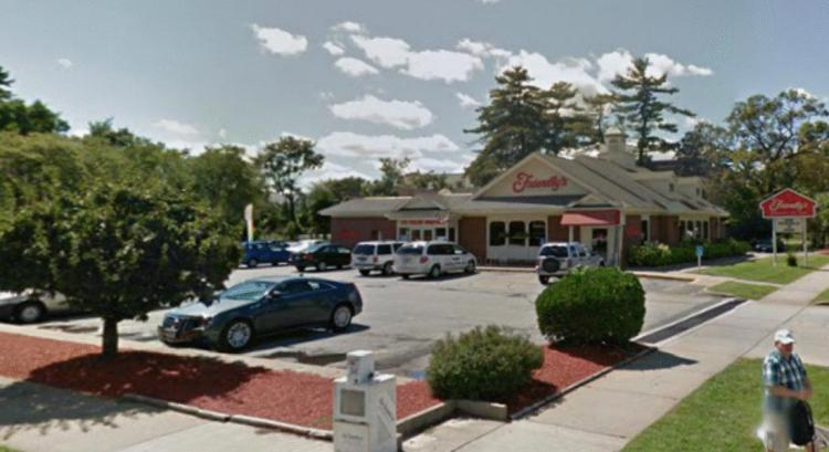 Friendlys 65 Sumner Avenue Springfield MA 2 https__maps.google CLOSED