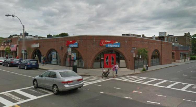 Friendlys Express 295 Harward Street Brookline MA 2 https___maps.google CLOSED