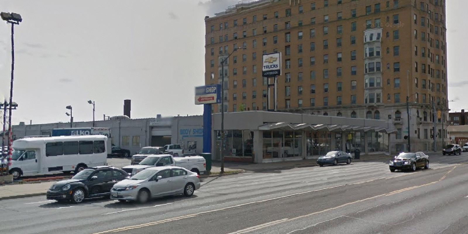 Architecture Branding Chevrolet Driving Dealer Body Towards A - Chevrolet dealers detroit