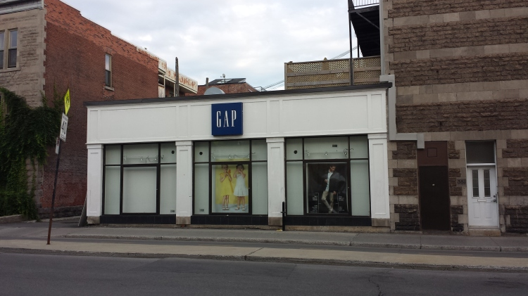 20150705_071726 - GAP - GAP 4210 Rue St-Denis at Rue Rachel Montreal QC