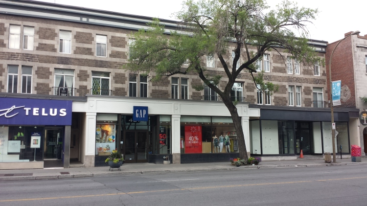 20150705_072019 - GAP - GAP 4210 Rue St-Denis at Rue Rachel Montreal QC