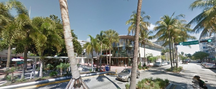 GAP 1001 Lincoln Road Lincoln Road Mall Miami Beach FL 1 https___maps.google (2)