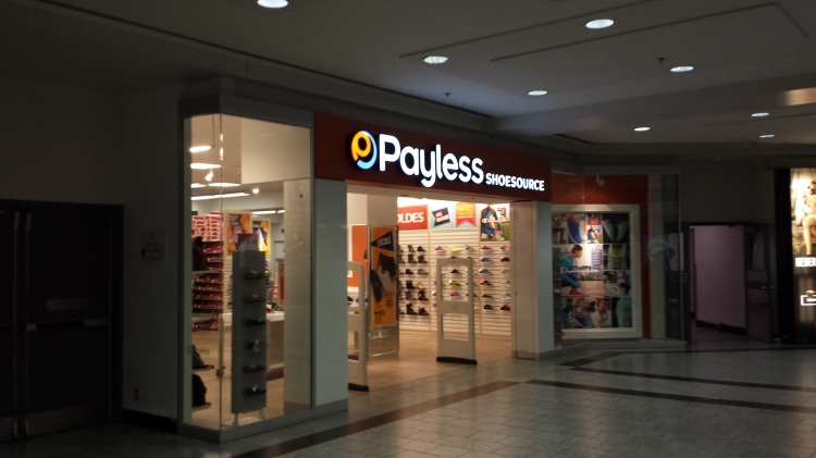 20150807_175009 PSS Payless CA-QC-Montreal Eaton Centre