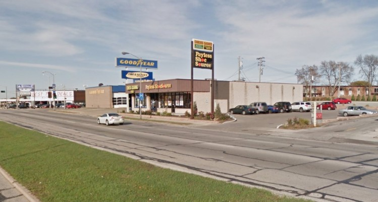 PSS Payless 2814 S 108th St Milwaukee WI 1 https___maps.google
