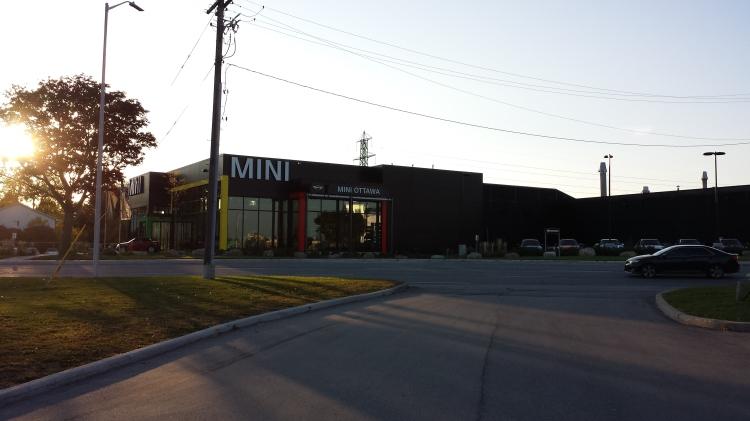 20151011_173526 MINI-MINI 1501 Carling Avenue Ottawa On