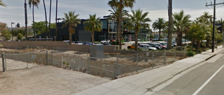MINI-MINI 311 E. Daily Drive Camarillo CA 2 https___maps.google (2)