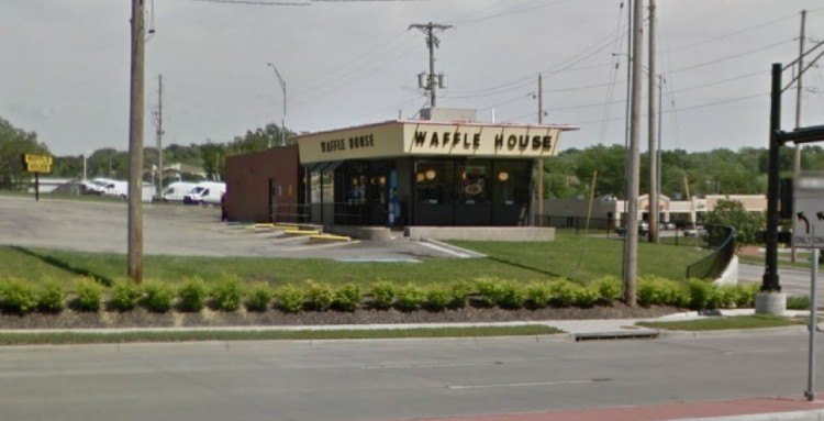 WHI - Waffle House 1500 NW Woods Chapel Road Blue Springs MO 2 https___www.google