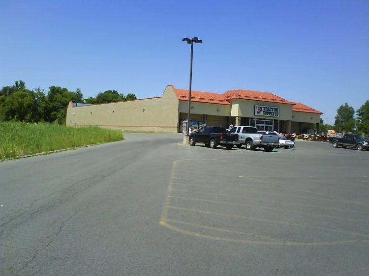 DSC09549 TSC US-NY-Clay 3580 Route 31