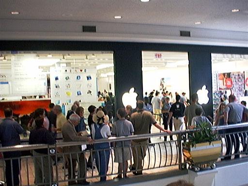 AAPL Apple Mall Store US-VA-Tysons Corner Tysons Corner Center May 19 2001 opening