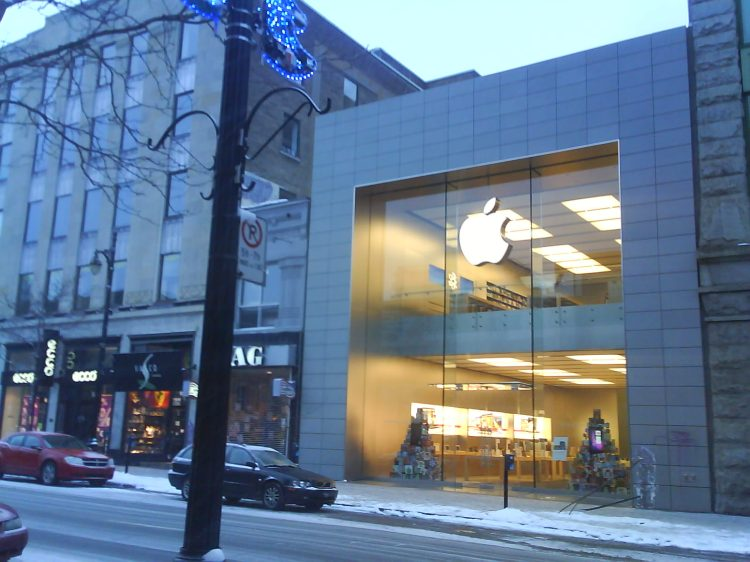 DSC01951 AAPL Apple Store CA-QC-Montreal 1321 Rue St-Catherine Ouest