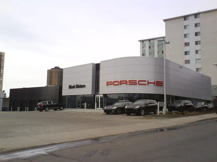 DSC10813 POR_Porsche dealership 611 Montreal Road Ottawa ON