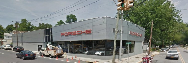 Porsche dealership 22 Mineola Ave Roslyn Heights NY 2 https___www.google