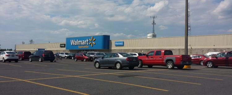 20160805_152630 WMT Walmart CA-ON-Hawkesbury 1550 Cameron Street