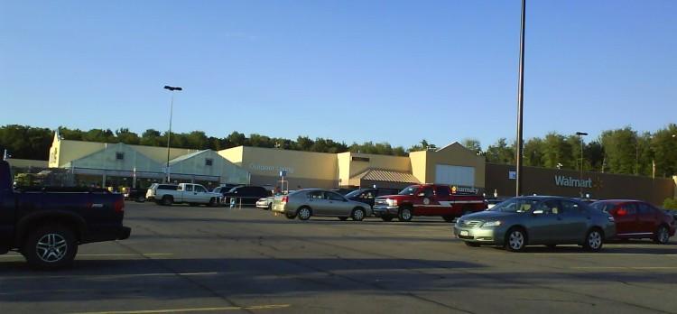 DSC09315 WMT Walmart Supercenter US-NY-Central Square 3018 East Avenue