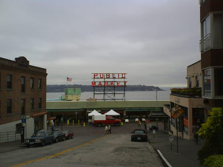 ljs-dsc12879-pike-place-market-seattle-wa-view-looking-towards-elliott-bay-from-pine-street