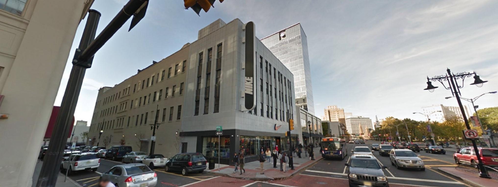 Riego fiabilidad Doctrina  nke-nike-factory-store-697-broad-street-newark-nj-5-https___www-google |  Architecture + Branding