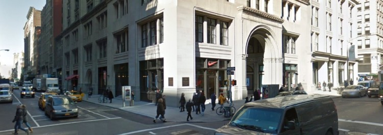 nke-nike-running-flatiron-156-5th-avenue-new-york-ny-3-2013-https___www-google